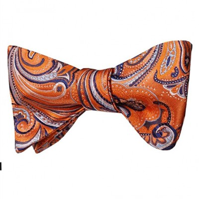 Noeud papillon orange à motifs